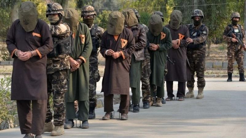 Afghanistan chấp nhận thả 400 tay súng Taliban đổi hoà bình  - ảnh 1
