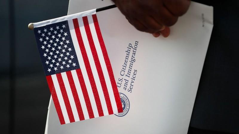 Báo động số lượng người Mỹ từ bỏ quốc tịch cao kỷ lục - ảnh 1