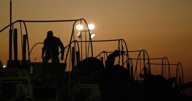 Xe chở thiết bị quân sự Mỹ nổ tung gần biên giới Iraq-Kuwait - ảnh 1