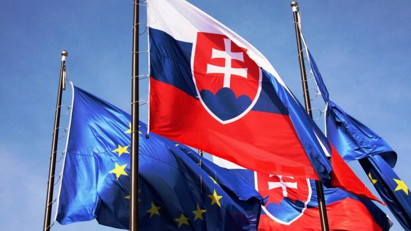 Slovakia trục xuất 3 nhà ngoại giao Nga - ảnh 1