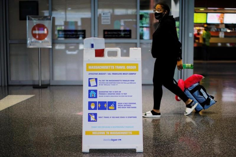 Reuters: Mỹ xem xét cấm hồi hương công dân nghi mắc COVID-19 - ảnh 1