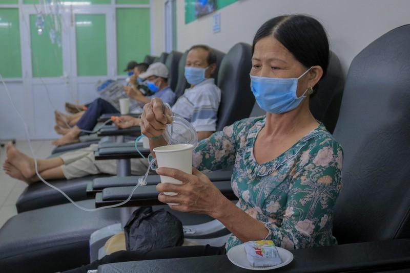 Bệnh nhân truyền hóa trị được phục vụ như trên một chuyến bay - ảnh 5