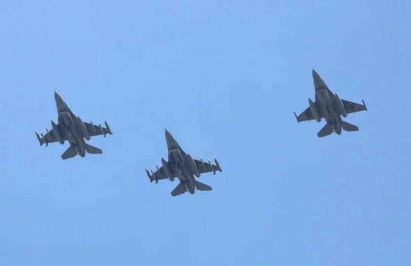 Có hơn 20 chiến đấu cơ Trung Quốc gần không phận Đài Loan - ảnh 1