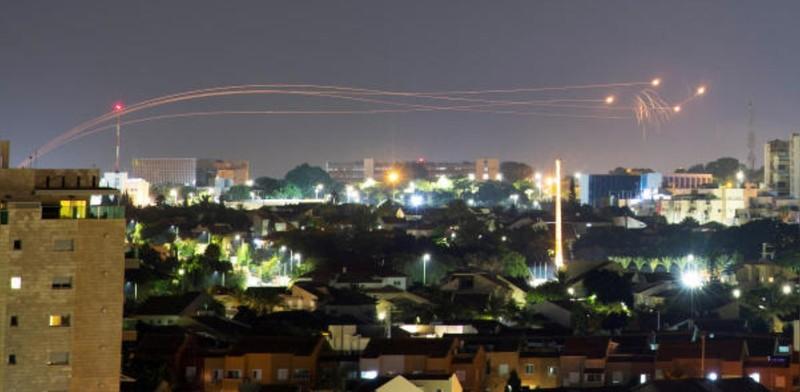 Israel không kích Dải Gaza, trả đũa Hamas - ảnh 1