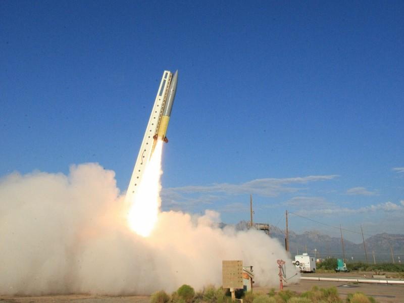 Mỹ tiết kiệm chi phí thử vũ khí nhờ tận dụng tên lửa cũ - ảnh 1