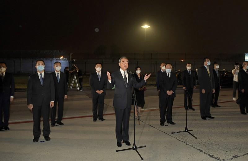 Nhân viên Tổng lãnh sự quán Trung Quốc ở Mỹ trở về Bắc Kinh - ảnh 2