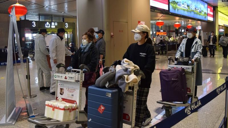 Trung Quốc tiêm vaccine COVID-19 lên nhân viên y tế từ tháng 7 - ảnh 1