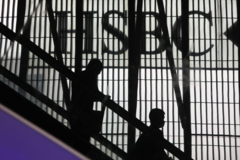 Mỹ cáo buộc HSBC duy trì quan hệ với quan chức bị trừng phạt - ảnh 2