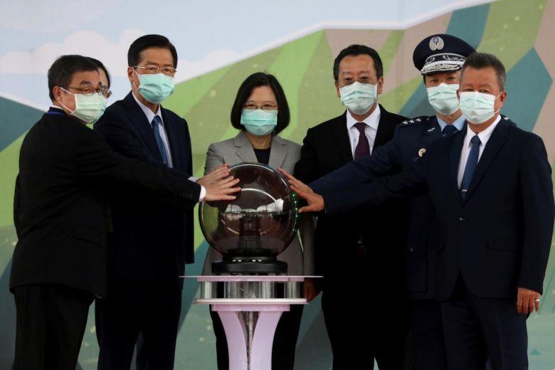 Mỹ giúp Đài Loan mở trung tâm bảo dưỡng chiến đấu cơ F-16 - ảnh 1