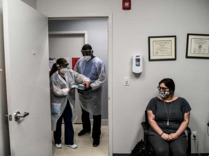 Mỹ: Hơn 1.200 sinh viên ở một trường đại học nhiễm COVID-19 - ảnh 1