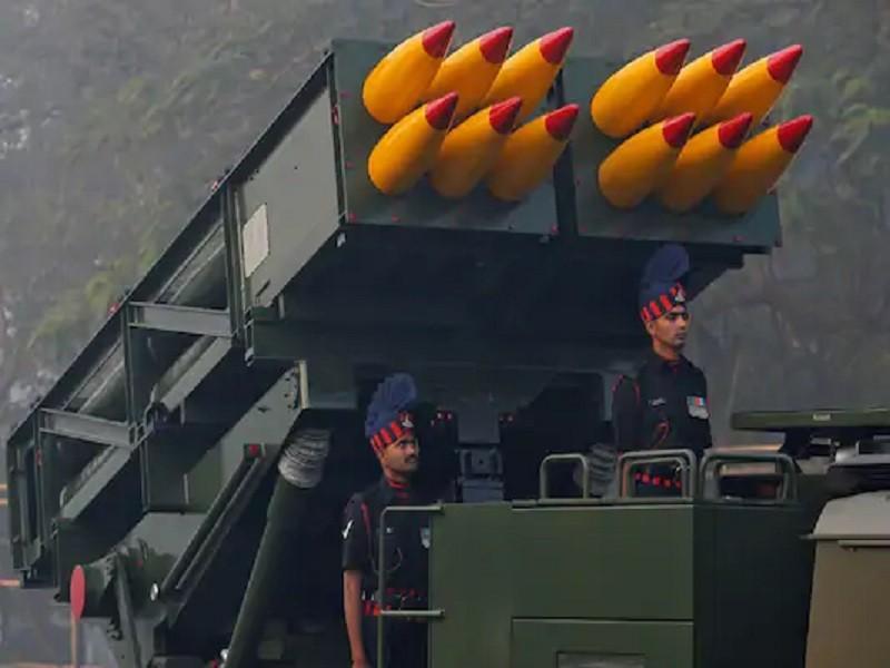Ấn Độ đặt hàng sáu bệ phóng tên lửa đặt giáp biên Trung Quốc - ảnh 1