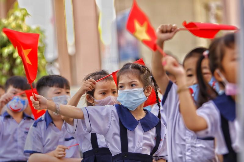 TP.HCM: Trường học đầu tiên khai giảng năm học mới  - ảnh 4