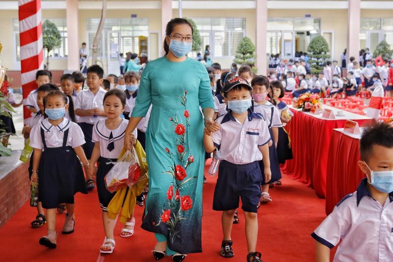 TP.HCM: Trường học đầu tiên khai giảng năm học mới  - ảnh 2