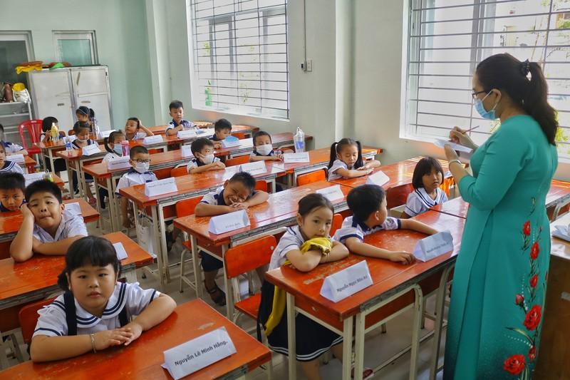 TP.HCM: Trường học đầu tiên khai giảng năm học mới  - ảnh 8