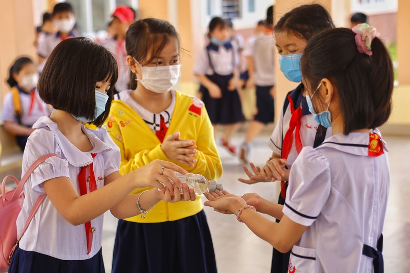 TP.HCM: Trường học đầu tiên khai giảng năm học mới  - ảnh 1