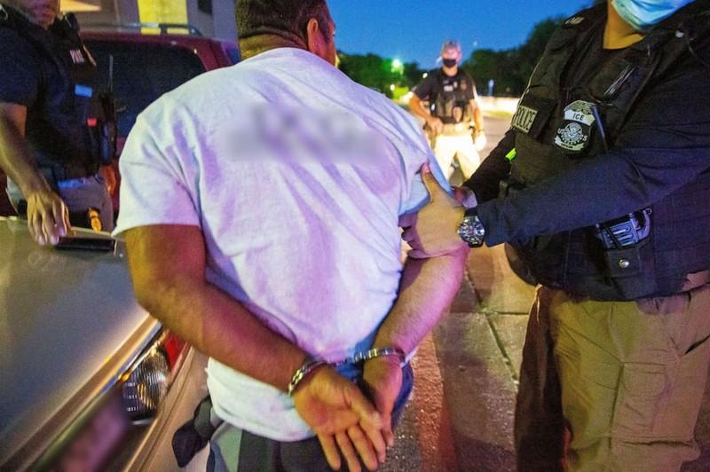 Mỹ bắt giữ hơn 2500 người nhập cư trái phép - ảnh 1