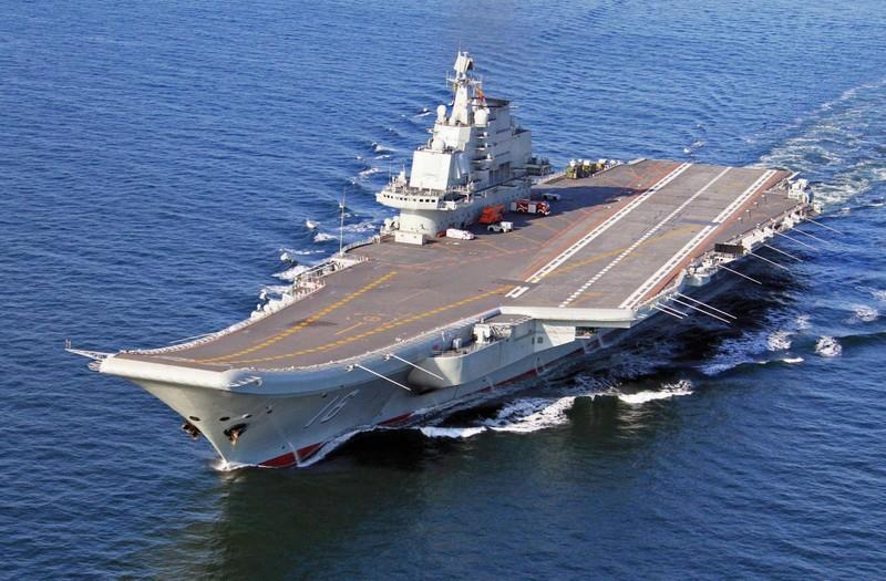 Lần đầu tiên hai tàu sân bay Trung Quốc cùng đi tập trận - ảnh 1