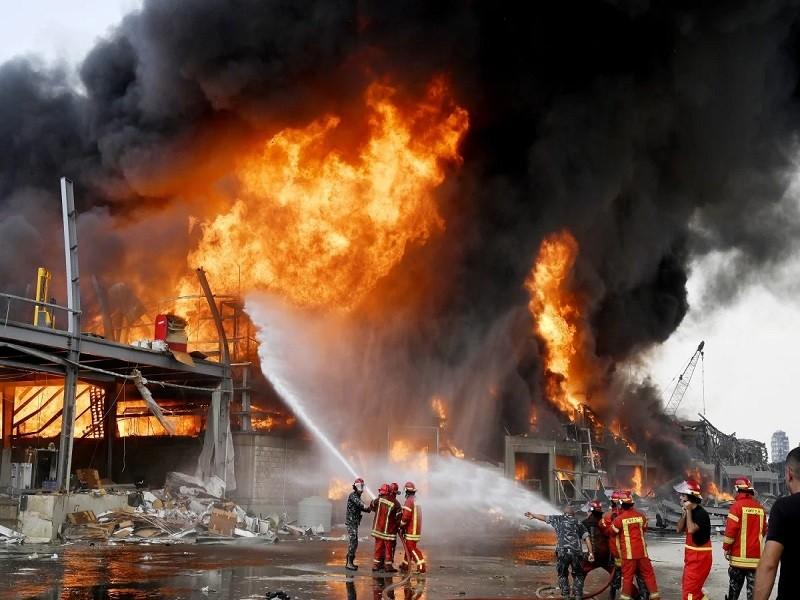 Lebanon: Cháy lớn tại hiện trường vụ nổ kinh hoàng tháng trước - ảnh 1