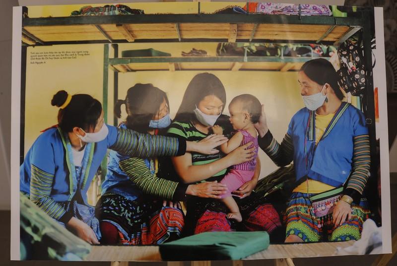 Tinh thần Việt chống dịch COVID-19 qua 400 ảnh của Nguyễn Á - ảnh 7