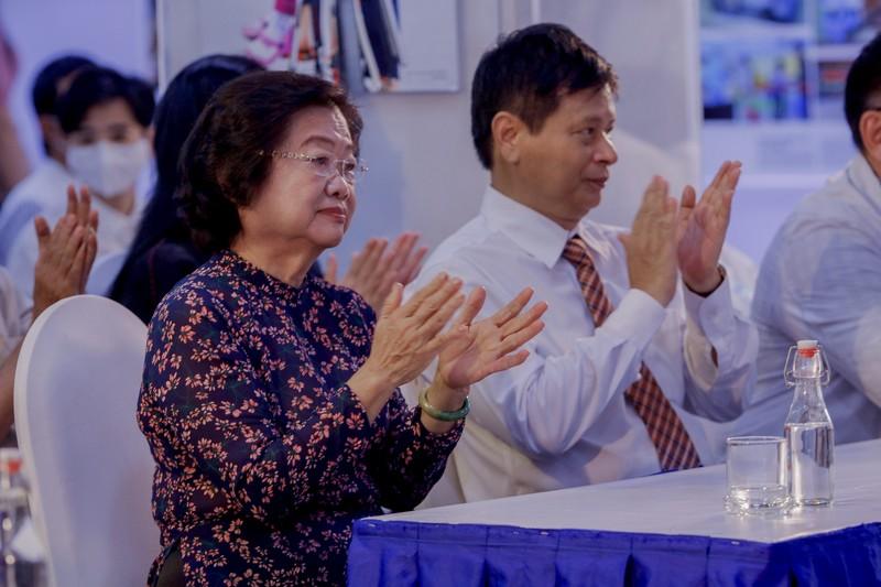 Tinh thần Việt chống dịch COVID-19 qua 400 ảnh của Nguyễn Á - ảnh 3