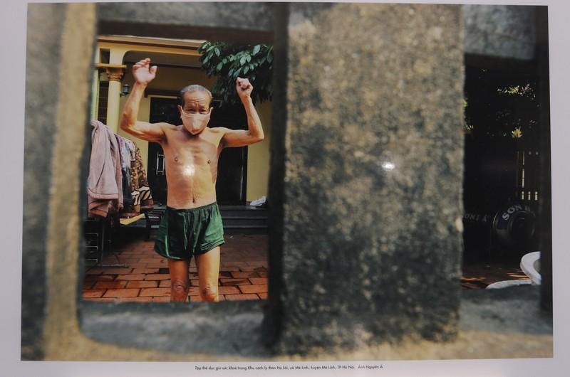 Tinh thần Việt chống dịch COVID-19 qua 400 ảnh của Nguyễn Á - ảnh 8