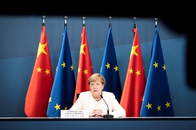 EU kêu gọi Trung Quốc hợp tác bình đẳng, tôn trọng luật pháp - ảnh 2