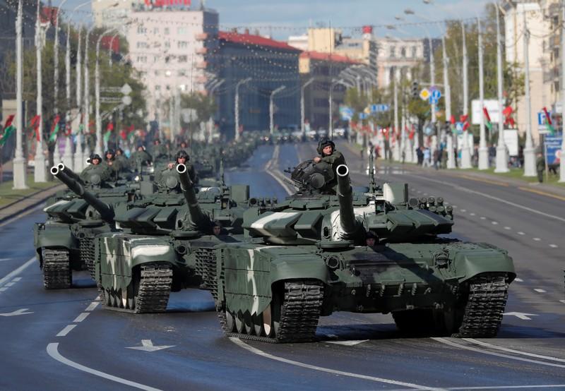 Belarus đóng biên giới phía Tây, quân đội vào thế báo động cao - ảnh 1