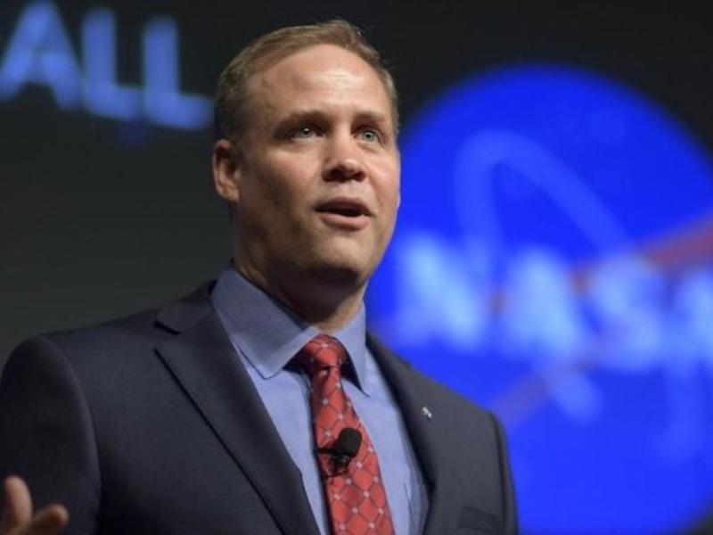 NASA sẽ chi 28 tỉ USD đưa một phụ nữ lên mặt trăng năm 2024 - ảnh 1