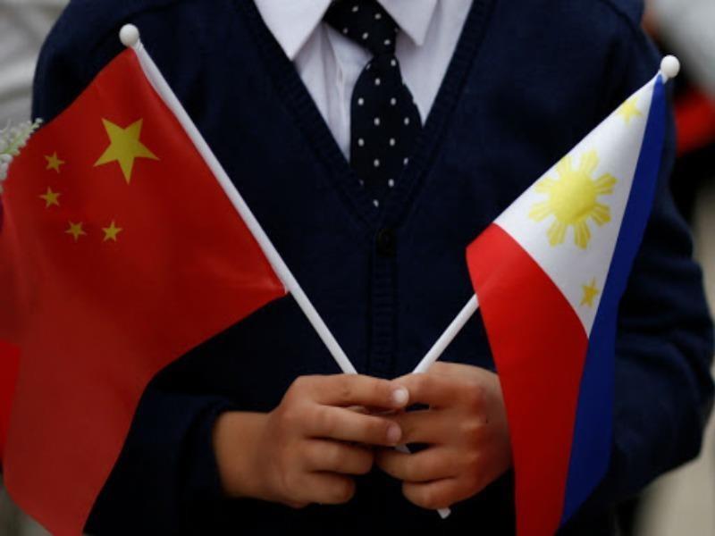 Philippines, Trung Quốc lại đồng ý 'gác' tranh chấp Biển Đông - ảnh 1