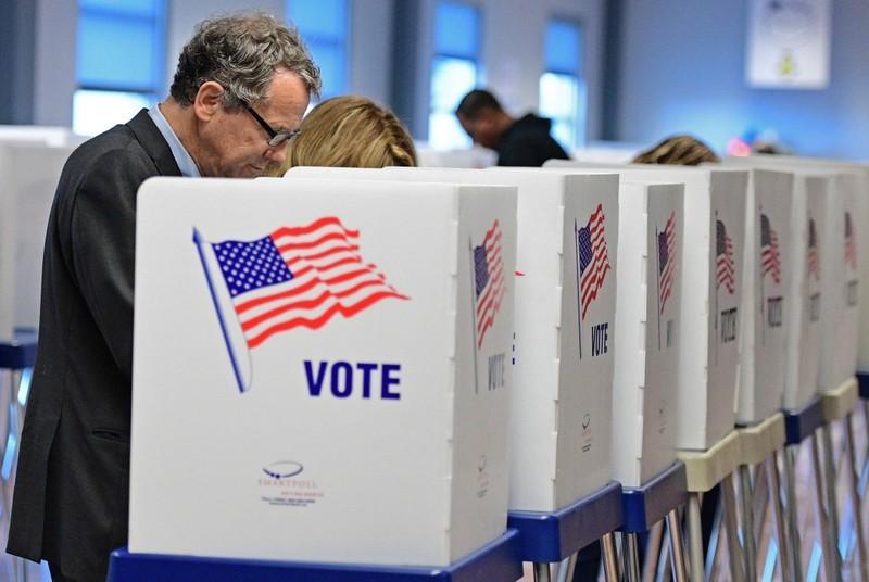 Đa số người Mỹ lo ngại về sự can thiệp bầu cử từ nước ngoài - ảnh 1