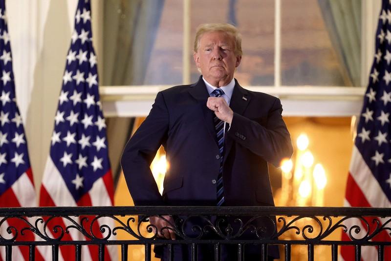 Vừa xuất viện, ông Trump tung loạt động thái 'gây sốc'  - ảnh 1
