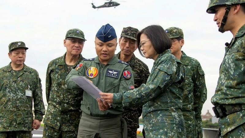 Đài Loan chi mạnh cho phòng vệ, Mỹ nói không đủ - ảnh 1