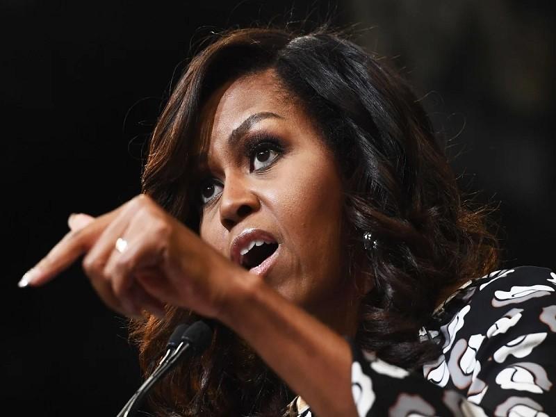 Bà Obama tung video nhắn cử tri bầu ông Biden bỏ ông Trump  - ảnh 1