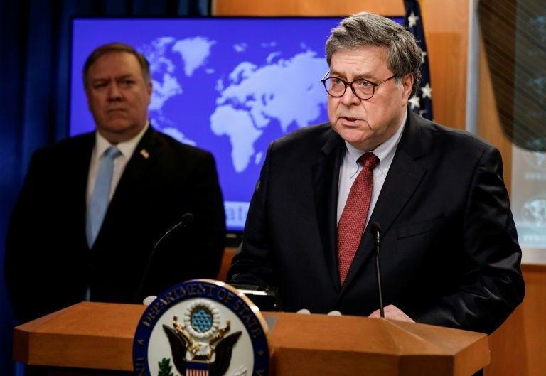 Ông Trump chỉ trích 2 bộ trưởng thân cận không truy tố đối thủ - ảnh 2