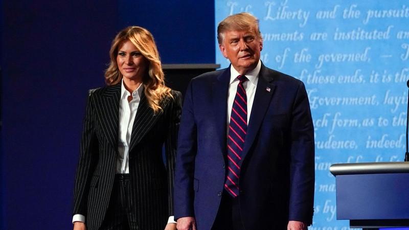 Vợ ông Trump hứng chỉ trích vì miệt thị 'tình địch tin đồn' - ảnh 1