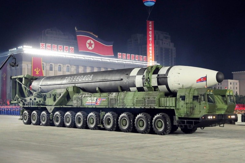 Chuyên gia: Tên lửa mới của Triều Tiên mạnh như 'con quái vật' - ảnh 1