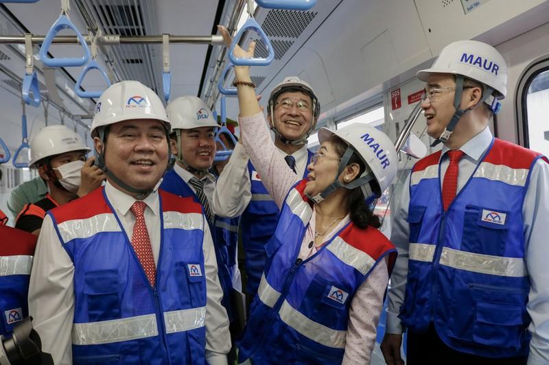 Chùm ảnh: Cận cảnh bên trong toa tàu metro số 1 - ảnh 2