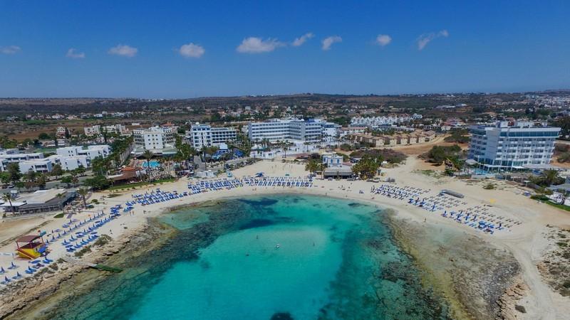 Hứng bão dư luận, Cyprus ngưng chương trình 'hộ chiếu vàng' - ảnh 1