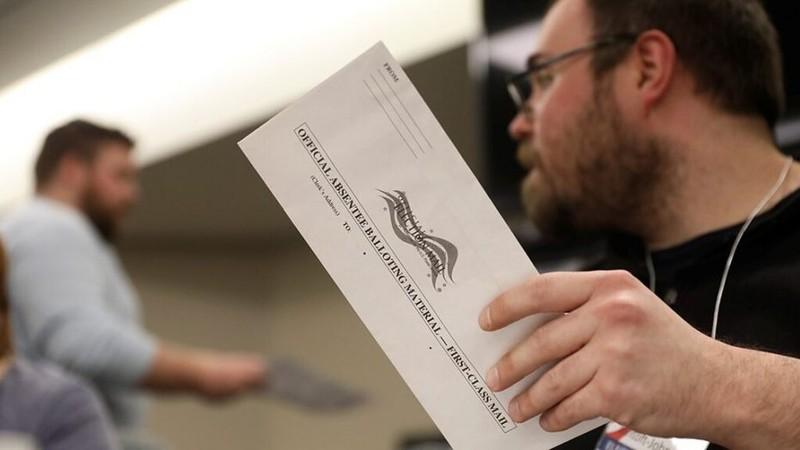 FBI báo động tin tặc đã xâm nhập được hệ thống bầu cử Mỹ - ảnh 1