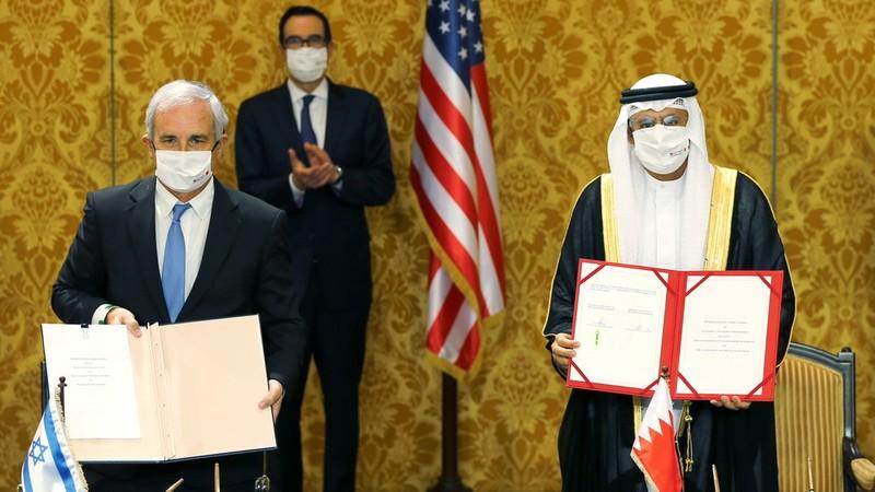 Mỹ đưa Israel đến Bahrain chính thức thiết lập quan hệ  - ảnh 1