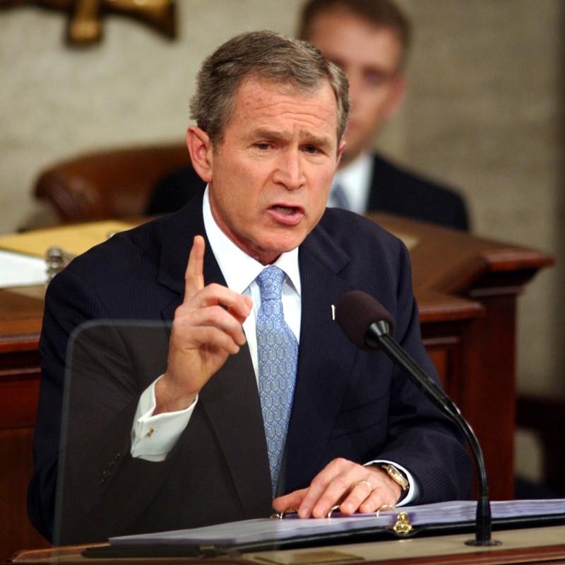 Ông Bush chúc mừng ông Biden, tin bầu cử không gian lận - ảnh 1