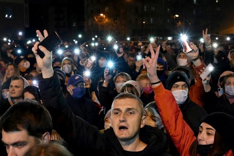 1 người biểu tình chết sau khi bị bắt, Belarus thêm bất ổn - ảnh 1