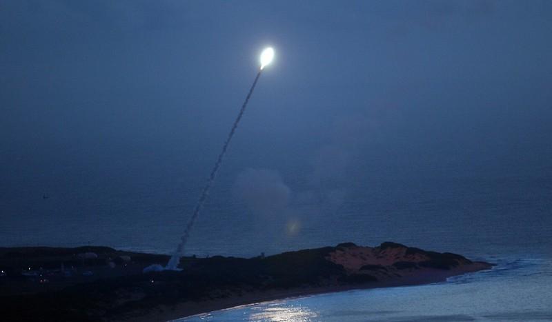 Mỹ bắn hạ mô hình tên lửa xuyên lục địa để cảnh cáo Trung Quốc - ảnh 1