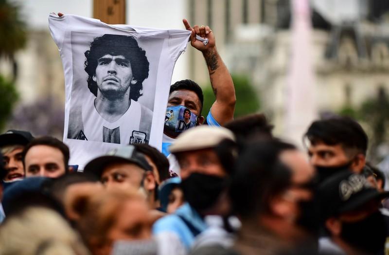Nghi ngờ y tá sơ suất, gây ra cái chết của danh thủ Maradona - ảnh 1
