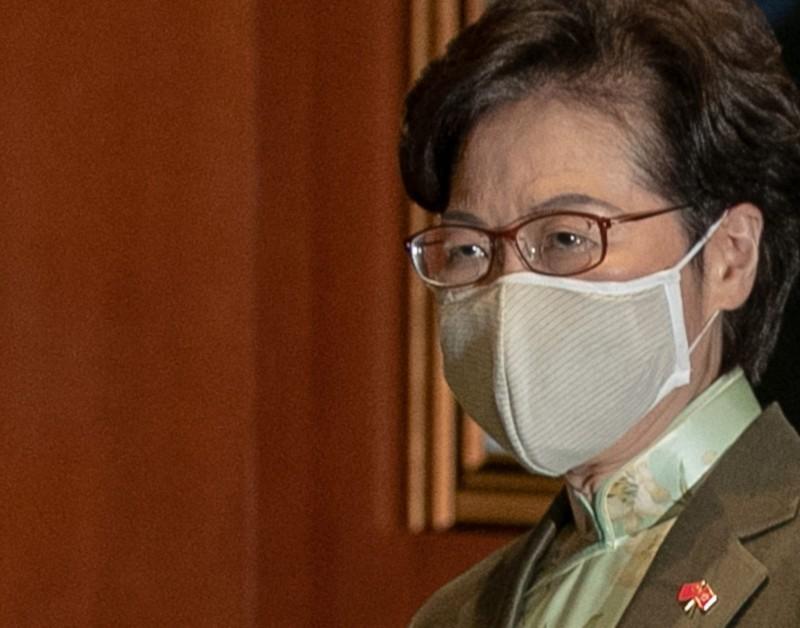 Bà Lâm Trịnh Nguyệt Nga: Tiền đầy nhà sau khi bị Mỹ trừng phạt - ảnh 1