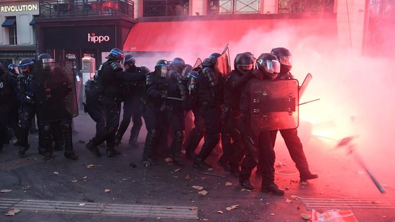 Biểu tình vụ người gốc Phi ở Pháp làm 98 cảnh sát bị thương - ảnh 3