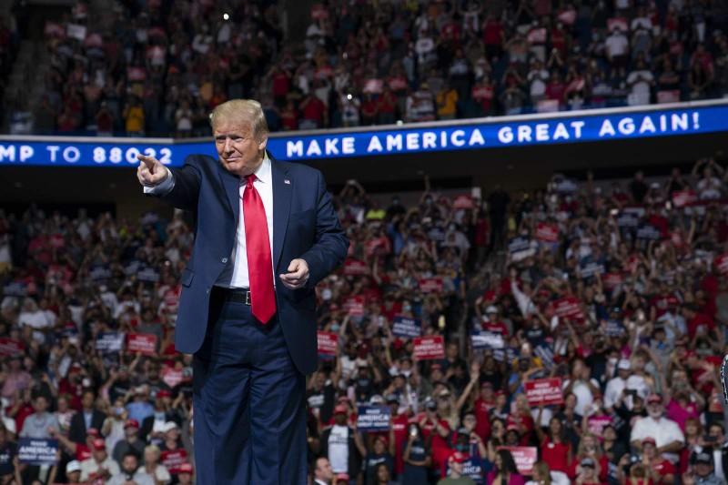 Ông Trump là người đàn ông được ngưỡng mộ nhất ở Mỹ năm 2020 - ảnh 1
