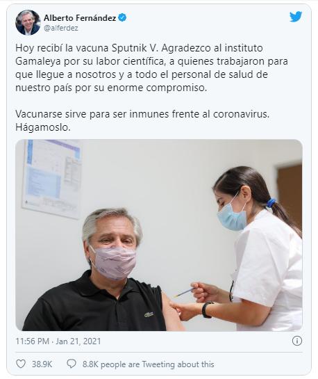 Tổng thống Argentina tiêm vaccine Sputnik V, ca ngợi Nga - ảnh 1