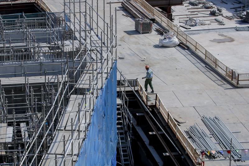 Cận cảnh công nhân ga Bến Thành làm việc ngày cận Tết - ảnh 9