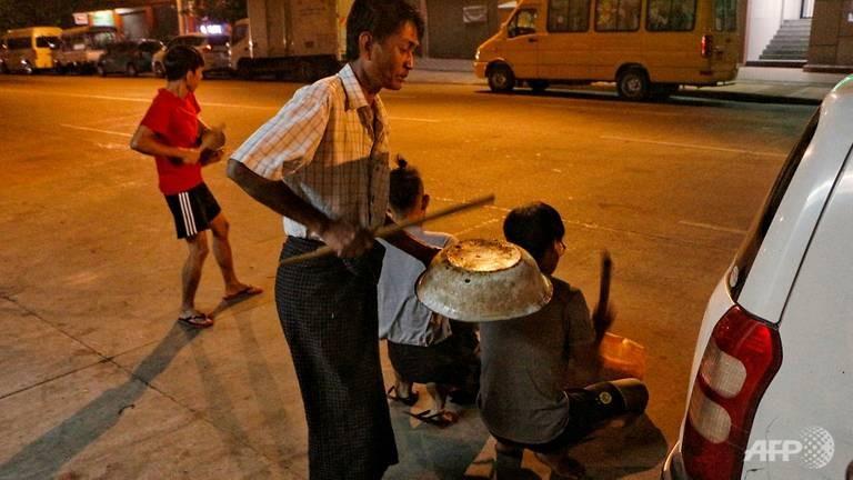 Chính biến Myanmar: Dân phản đối, bác sĩ đòi đình công  - ảnh 2